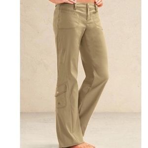 Athleta Khaki Cargo Pocketed Dipper Pant 4P